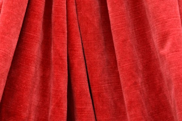 Mantén los pliegues en la tela con una técnica de ajuste.