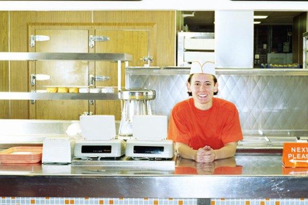 Las casas de comida rápida ofrecen a menudo trabajos a tiempo parcial.