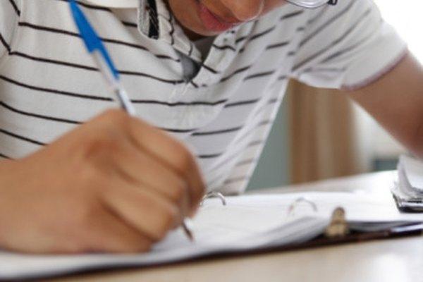 Los maestros deben modelar la escritura eficaz al enseñar a los estudiantes acerca de los seis rasgos de la escritura.