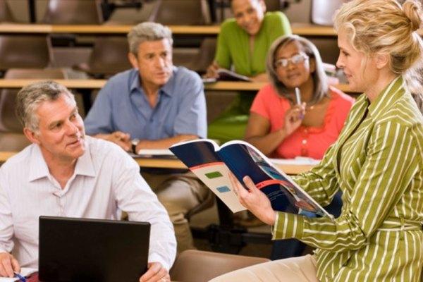 El enfoque basado en el lenguaje utiliza la literatura como una fuente de ejercicios sobre el idioma.