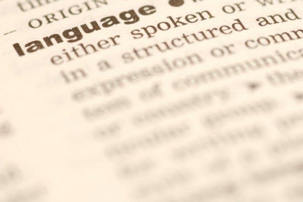 No te dejes engañar: Los adverbios y los verbos tienen funciones muy diferentes.