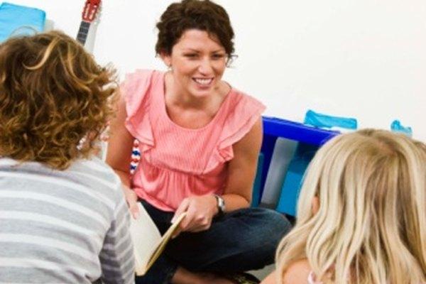 La mayoría de las escuelas requieren que los padres escriban una nota explicando la ausencia del estudiante.