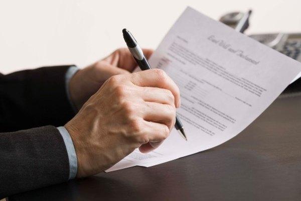 Una carta de rechazo se escribe de forma sincera a un postulante que no obtuvo el trabajo esperado.