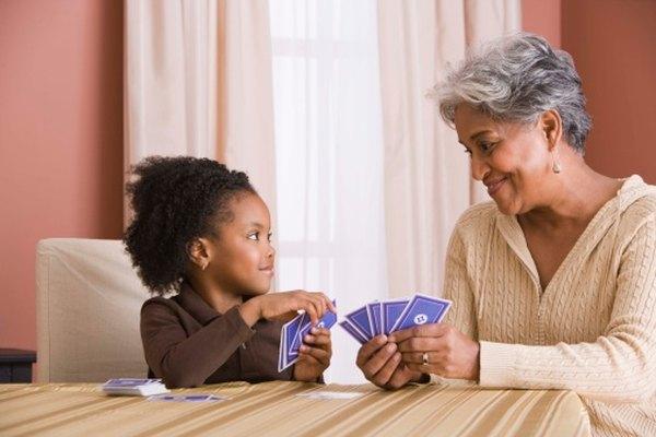Skip-Bo puede ser jugado tanto por niños como por adultos.