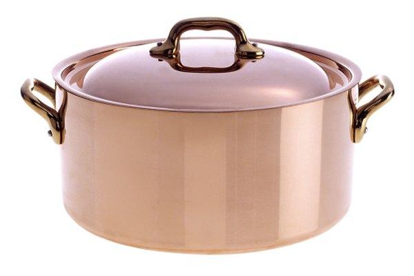 Aplicar calor al cobre puede cambiarle el color de la superficie.