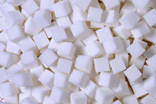 El ázucar reacciona con el ácido sulfúrico, entre otras sustancias químicas.