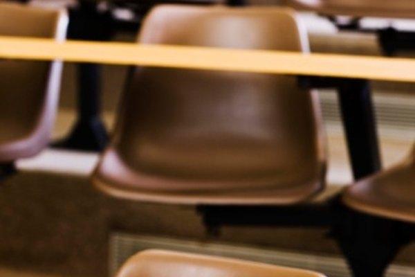 Cada forma de evaluar un plan de estudios cuenta con ventajas y desventajas.