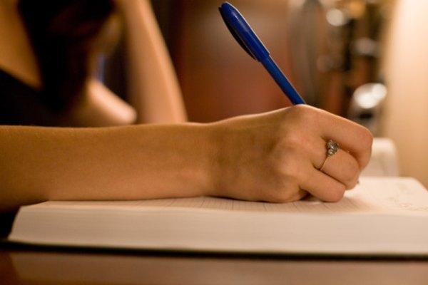 Escribir un ensayo con cohesión requiere una extensa revisión.