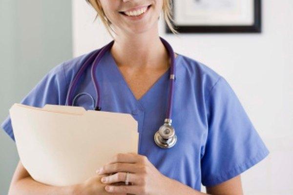 Diferentes métodos de evaluación se utilizan en la formación de enfermería para medir la competencia del estudiante.