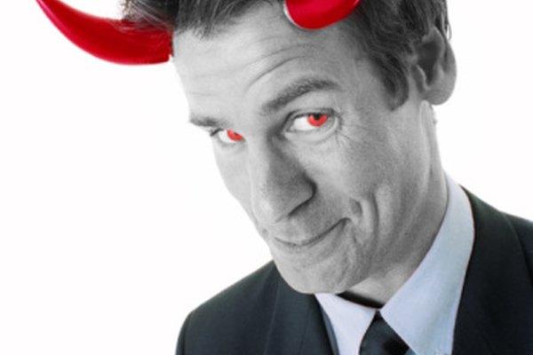 Un villano inteligente a menudo se muestra disfrazado.