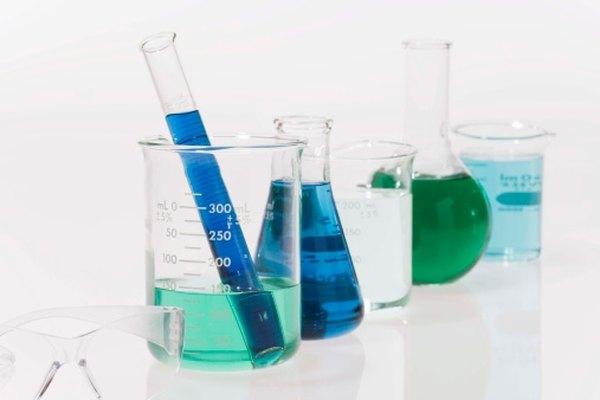 Utiliza la ecuación correcta para convertir miligramos por litro a molaridad.