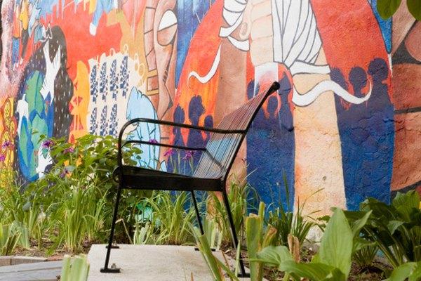 Los murales de exterior añaden interés visual a las zonas urbanas.