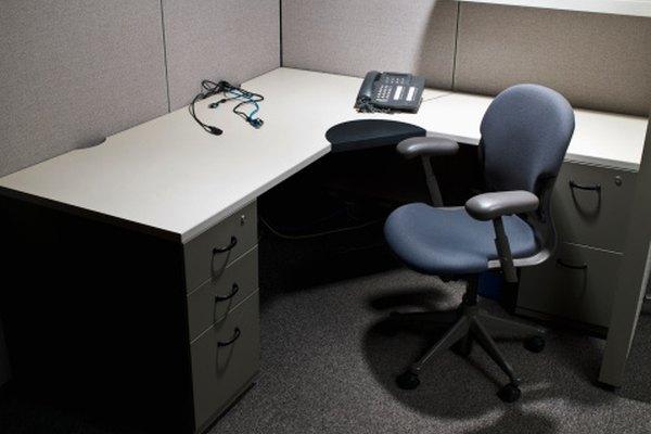 Las sillas de oficina utilizan un resorte de gas para permitir que su altura sea fácilmente ajustable.