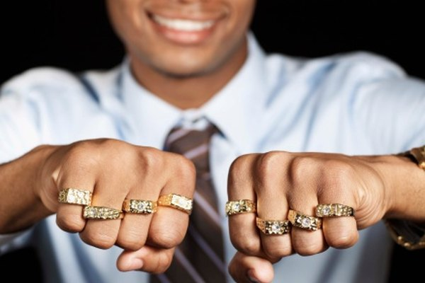 Si estos anillos son de oro de 22K, 24K, o 0,999, eso significa que son valiosos.