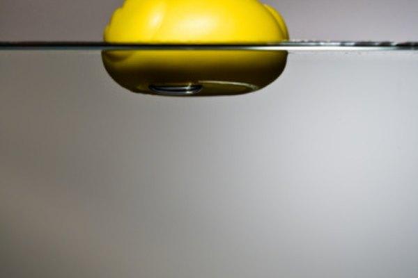 La flotabilidad hace flotar los objetos.