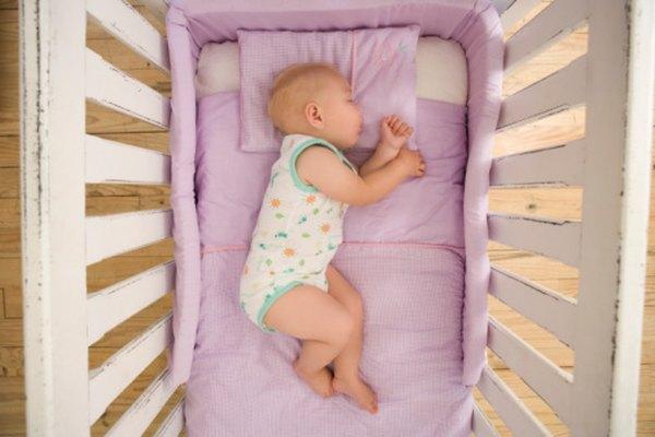 Crea un colchón para bebé duradero y más cómodo por alrededor de US$30.