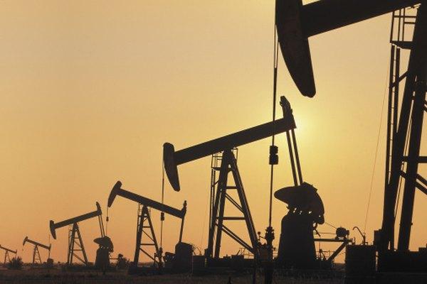 Los expertos en petróleo prueban el crudo por muchas razones antes de refinarlo.