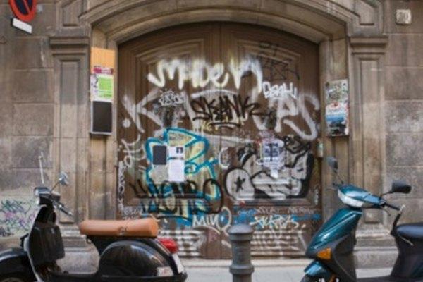 El graffiti combina ciertas convenciones con técnicas comunes.