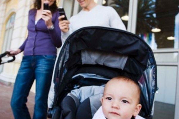 Un cochecito que se pliega fácilmente es indispensable para los padres muy ocupados.