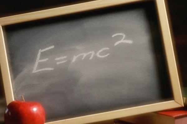 La famosa ecuación de Einstein.