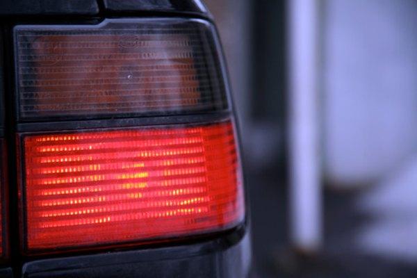 Las luces traseras pueden llegar a cubrirse con óxido, creando un riesgo de seguridad.