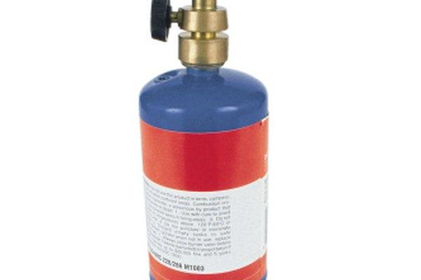 Utiliza un soplete de gas propano para derretir cuarzo.