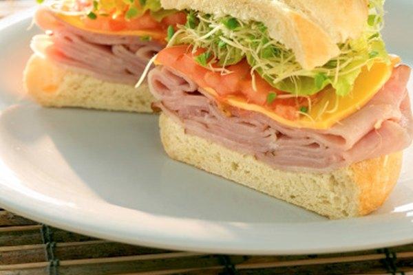 Los emparedados son una opción simple y fresca para el almuerzo.