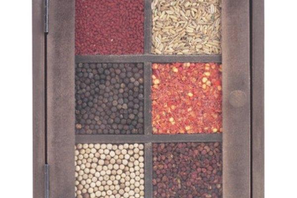 El azúcar, la sal y la pimienta son quizás los ingredientes de cocina más comunes.