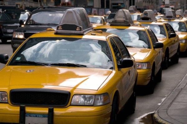 Los modelos de cola ayudan a los planeadores de ciudades a comprender las condiciones de tráfico.
