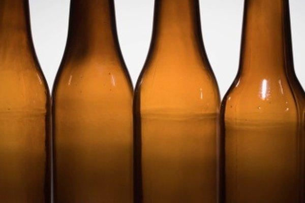 La mayoría de las botellas de vidrio contienen por lo menos un 25 por ciento de vidrio reciclado.
