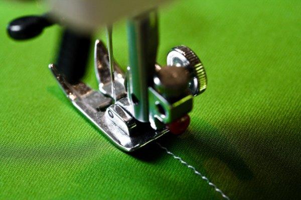 La tensión correctamente ajustada producirá puntadas uniformes en ambos lados de la tela.