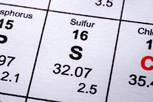 El sulfuro y el sulfito tienen un átomo de azufre.
