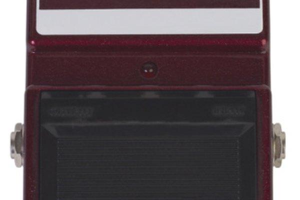 Debido al uso excesivo, los pedales de guitarra se desgastan regularmente.