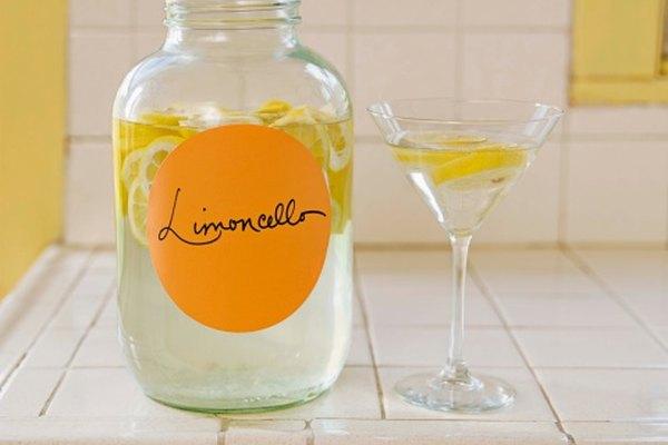 Los frascos de vidrio no sólo son contenenedores ideales para bebidas, sino que también desempeñan un sin número de funciones en el hogar.