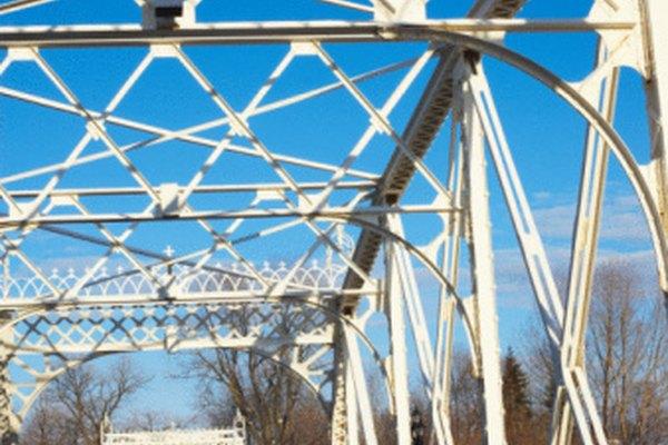 Las vigas de acero de alta resistencia pueden soportar grandes estructuras.