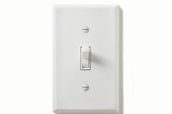 Los interruptores de luces usualmente se encuentran a 48 pulgadas (121,92 cm) desde el nivel del piso.