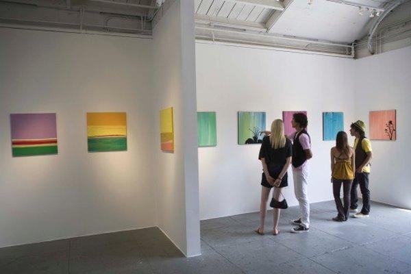 Los promotores de artistas generan redes de contacto con una serie de partes interesadas.