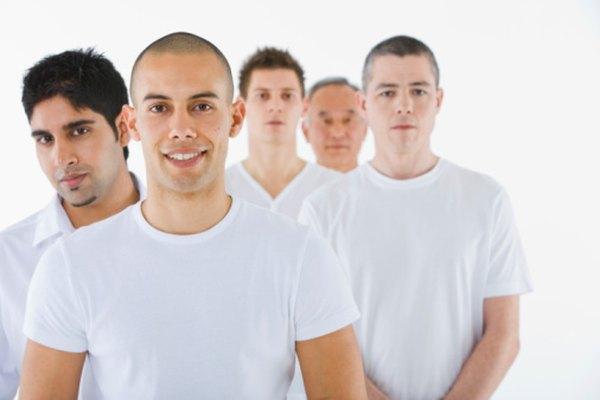 Las camisetas blancas o de colores claros son las más fáciles de trabajar cuando eres un principiante.