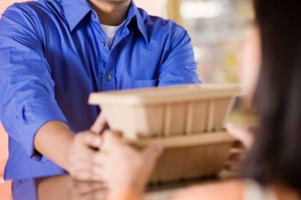 El mercadeo de negocio a negocio y negocio a consumidor difiere en sus ventajas y desventajas.
