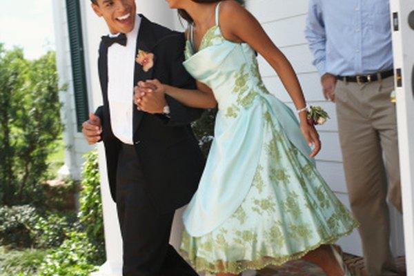 Un vestido de fiesta que se hace a mano garantiza una pieza única para el evento.