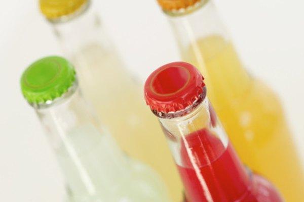 Las botellas de vidrio se pueden usar para simular juegos de carnaval.
