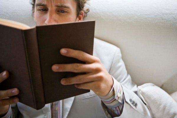 El análisis literario requiere de una lectura cuidadosa y de un conocimiento de contexto histórico, social o cultural.