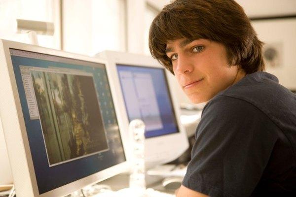 Los estudiantes aprenden mientras juegan con juegos interactivos y actividades que se ofrecen gratis en línea.