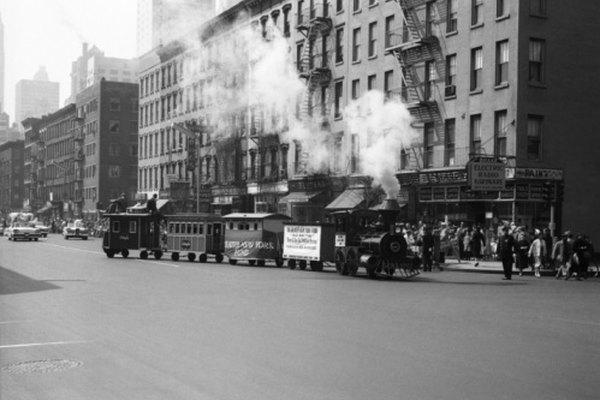 La Revolución Industrial trajo la introducción de máquinas a vapor, lo que permitió viajes a larga distancia más seguros.