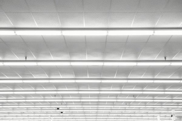 Una iluminación fluorescente ahorra importantes cantidades de energía.