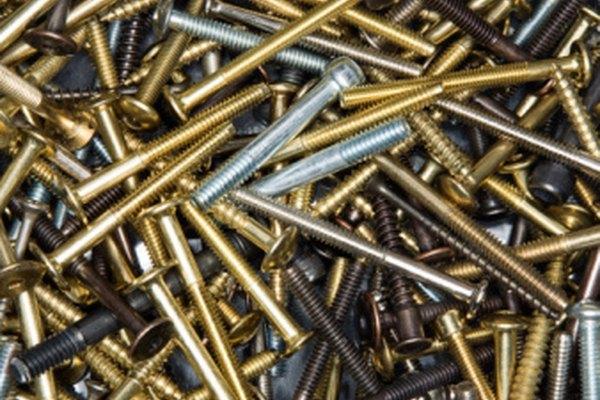 Tornillos de maquinaria tienen una amplia variedad de tipos para diferentes propósitos.