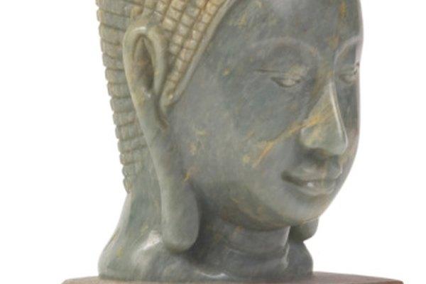 La cabeza de Buddha muestra un trabajo fino y detallado hecho con jade.
