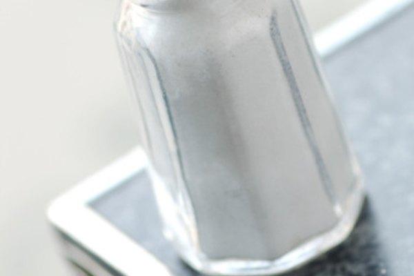 La sal de mesa es un químico simple y muy popular.