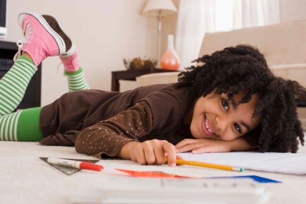 Los juegos pueden hacer divertido el aprendizaje de gramática para los niños.