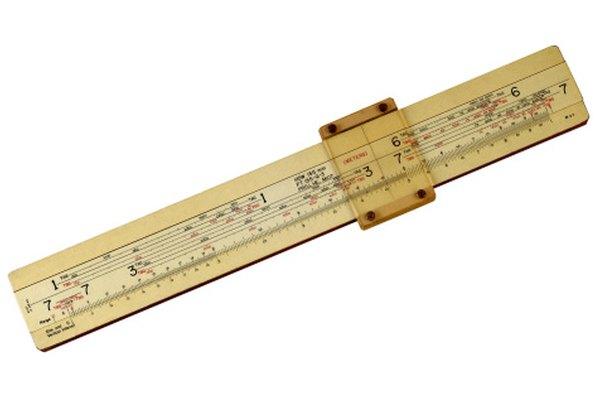 Como la escala de esta regla de cálculo, el pH es una escala logarítmica.